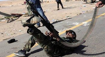 Libya'da birbirine düşen yağmacılar