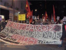 İzmir'de YÖK protesto edildi